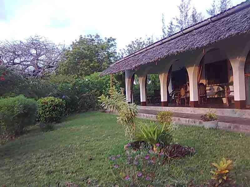 Eco friendly home at Sunset Villas, beach, pool - Image 1 - Kilifi - rentals