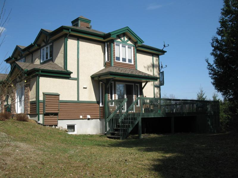 Outdoor Side View - Aiglon Tremblant - Golf and Winter Paradise! - Mont Tremblant - rentals