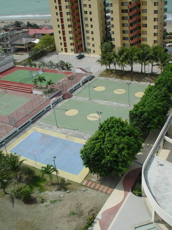 Comfortable apartment high floor. Ocean view. - Image 1 - Esmeraldas - rentals