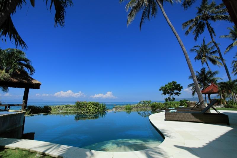 Swimming pool over look to the Sea and Lombok Island view - Candidasa Seaview, Villa rama, East Bali - Candidasa - rentals