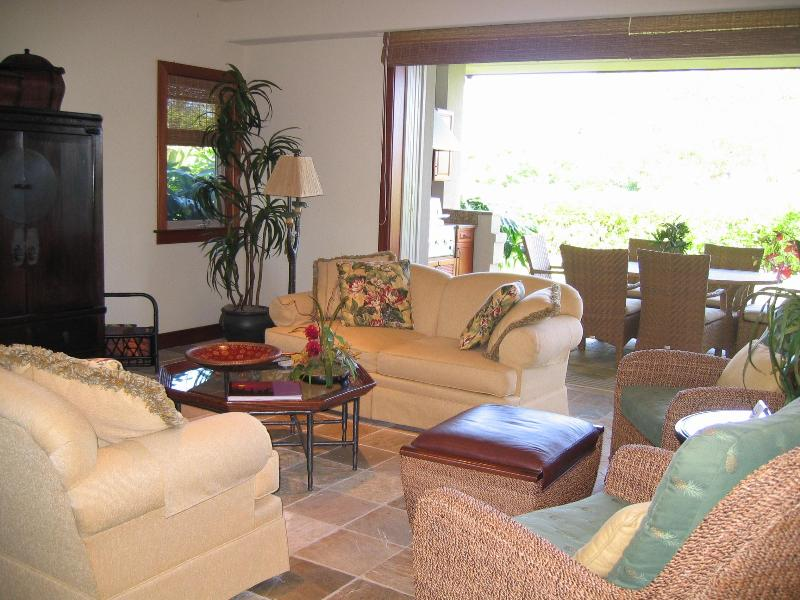 Living Room toward back lanai and garden - Mauna Lani Villages-Luxury Townhome from $299/nt - Waikoloa - rentals