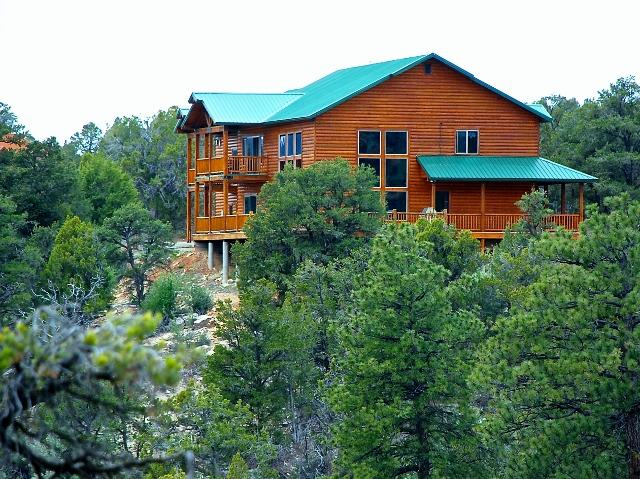 Vista View - Beautiful and spacious canyon view home - Zion National Park - rentals