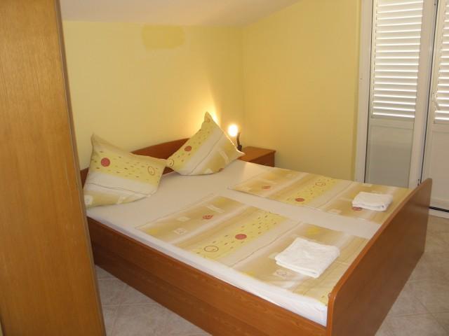 Apartments Željko - 26441-A3 - Image 1 - Srima - rentals