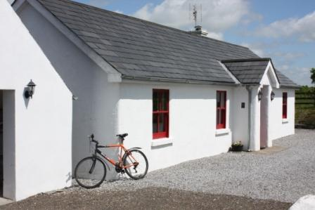 Lime Kiln Cottage - Family cottage on farm near Terryglass, Tipperary - Terryglass - rentals