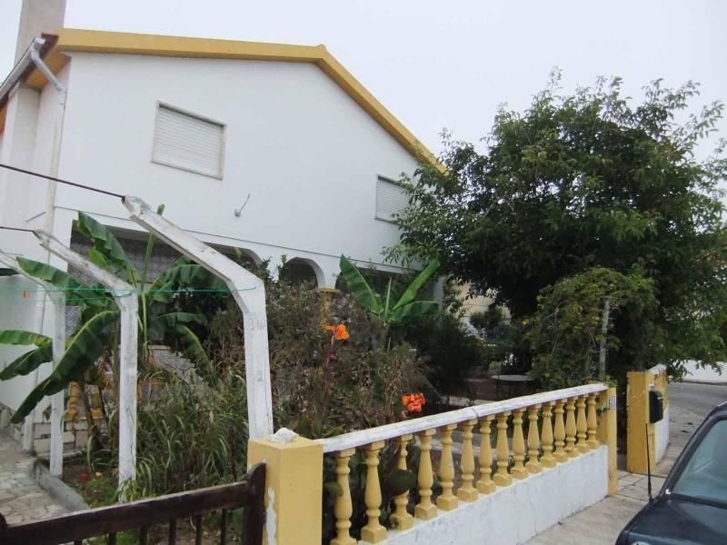 Santa Cruz Beach Villa in Portugal - Image 1 - Torres Vedras - rentals