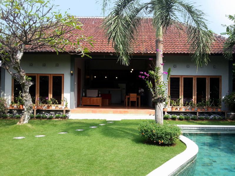 Fantastic Location. Simple & Cheap but nice Villa! - Image 1 - Seminyak - rentals