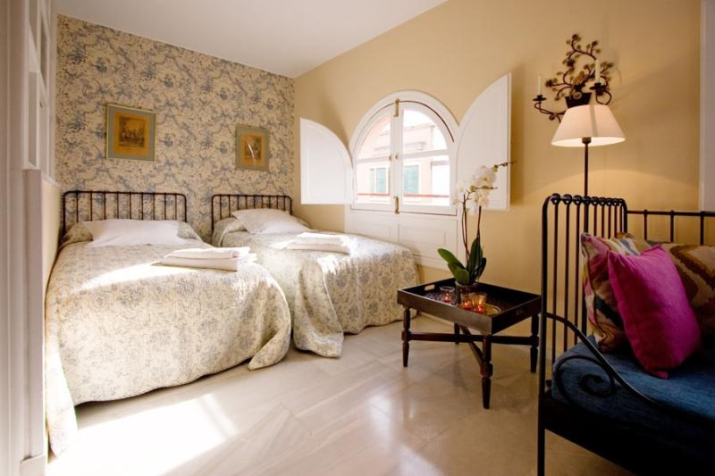 Seville Suite Terrace next to Cathedral 3 pax - Image 1 - Seville - rentals