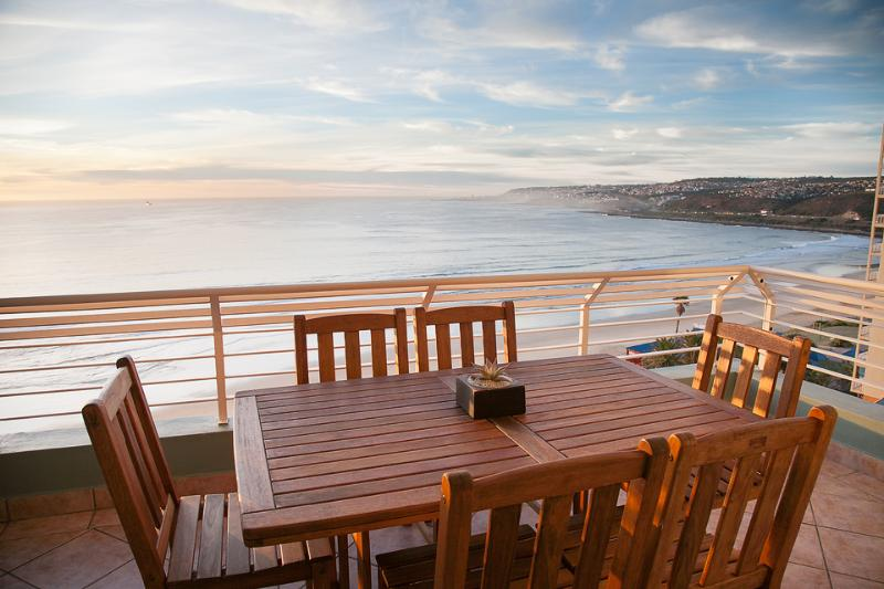 View from balcony over Diaz Beach and Mossel Bay - Beachfront Diaz Beach apartment - Mossel Bay - rentals