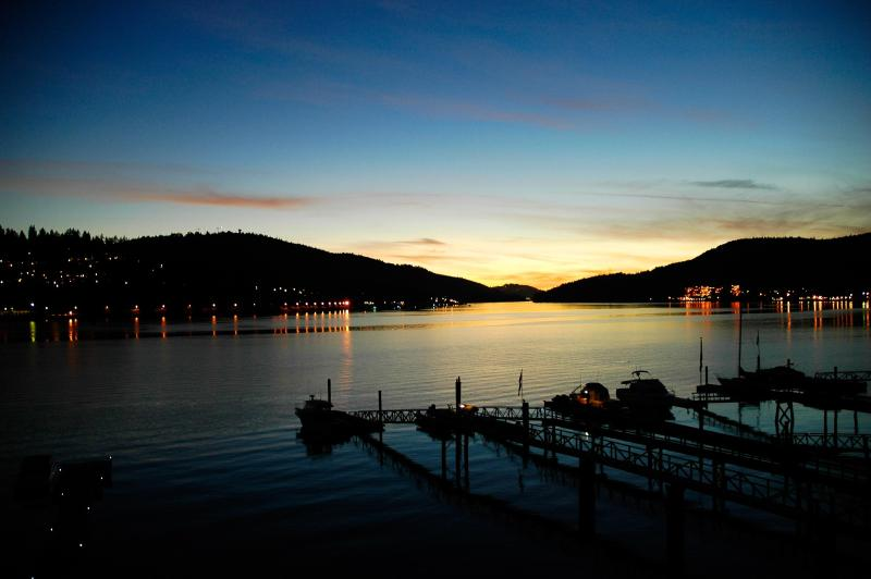A beautiful day in August - Beach House -2 BDRM Oceanfront with Private Dock - Port Moody - rentals