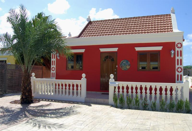 Front of the house - Aruba Cunucu house with pool 2 bed - 2 bath - Aruba - rentals