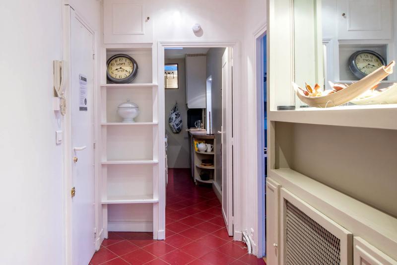 Typical Bright 1 Bedroom Parisian Apartment - Image 1 - Paris - rentals
