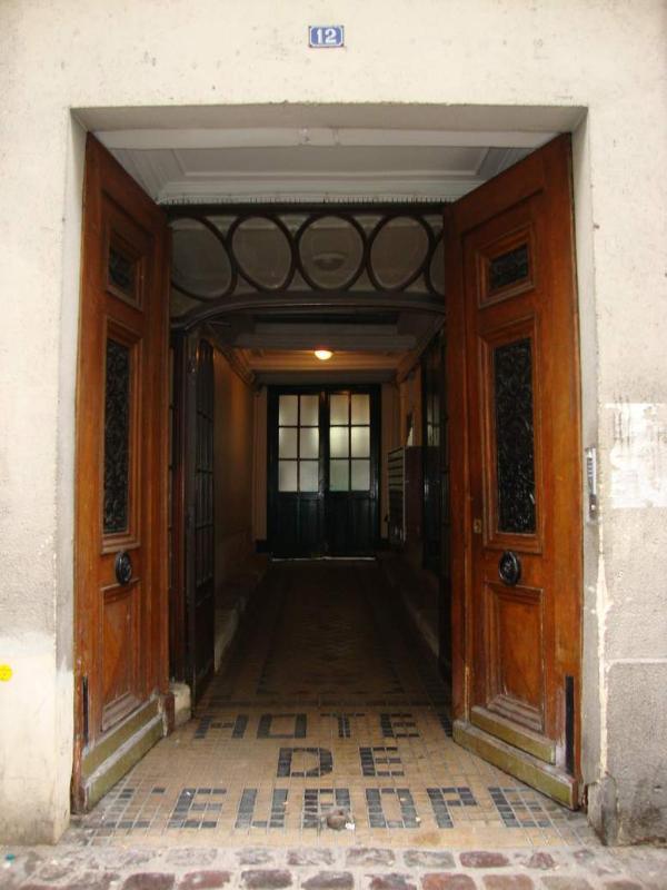 Second Floor Paris Studio Apartment - Image 1 - Paris - rentals
