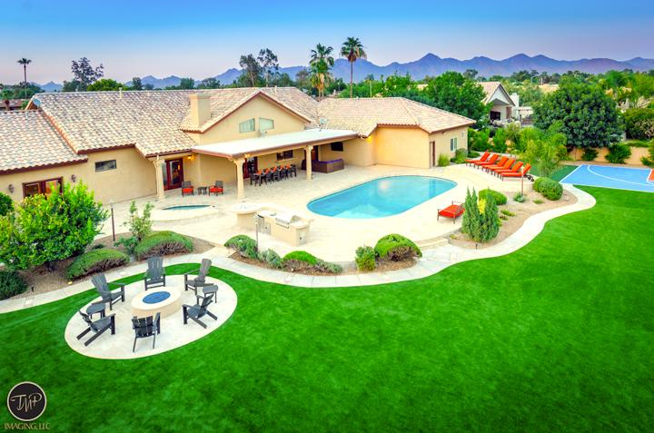 Stunning ariel shot of backyard - #1 Rated *5 Star Lxry Resort Style Prop, Best Lctn - Scottsdale - rentals