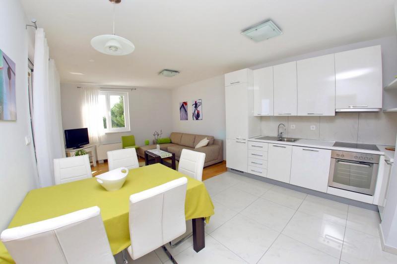 Lila apartment 3 (4+2) - Image 1 - Zadar - rentals