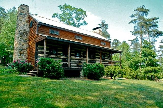 Front View - Historic Cabin at Gobblers' Knob - Berkeley Springs - rentals