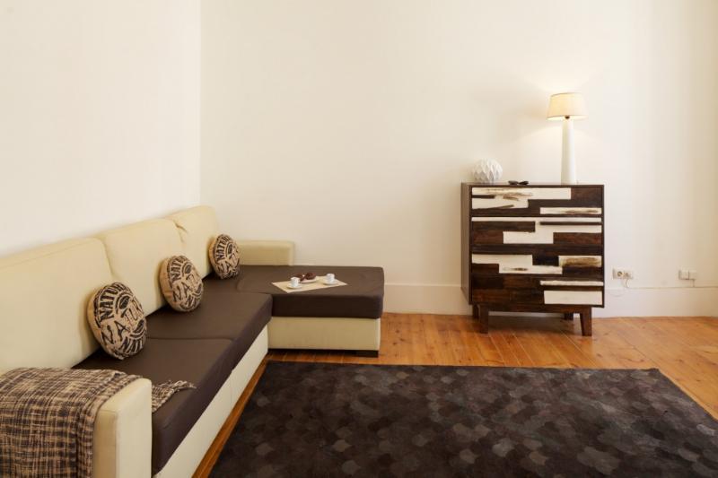 Apartment in Lisbon 248 - Chiado  - managed by travelingtolisbon - Image 1 - Lisbon - rentals