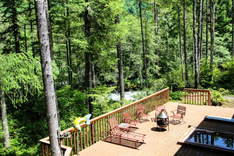 Sandy River Retreat - Image 1 - Welches - rentals