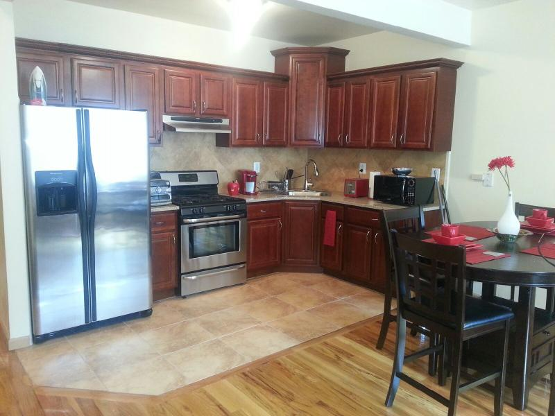 Kitchen with eat in dinette - 1, 2, 3 Beautiful  Authentic Bedroom - Brooklyn - rentals