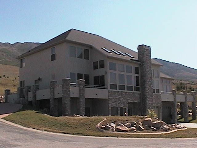 Front of the house - 5 Bedroom, 4 Bath Beautifully Decorated Lake House View/Winter Ski House - Eden - rentals