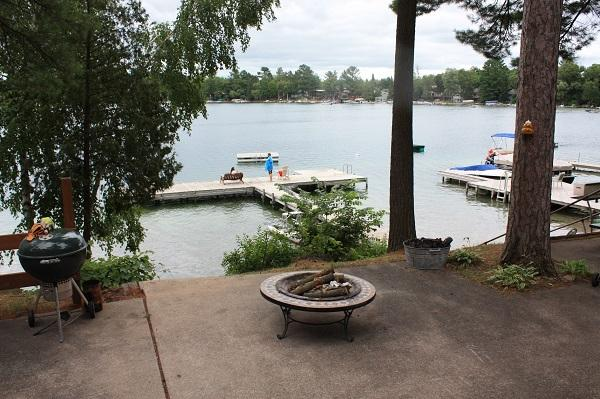 Firepit and lake front - Lakefront Cottage on Waupaca Chain O'Lakes #4 - Waupaca - rentals
