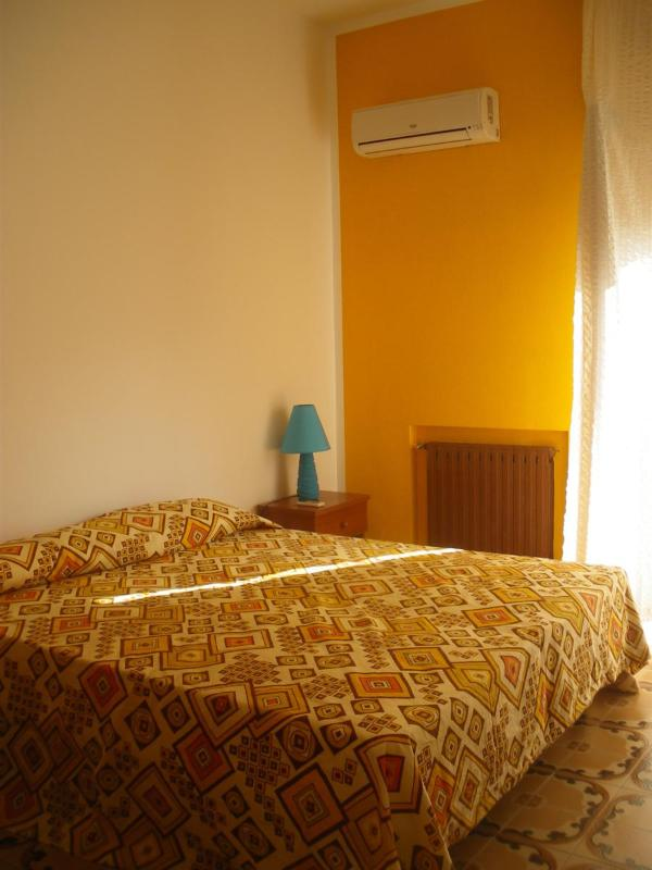 Double room with balcony and air conditioned hot-cold - Apartment for groups - Tortora Marina - rentals