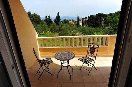 apartmen Maja*** (two bedrooms, two balconies) - Image 1 - Brac - rentals