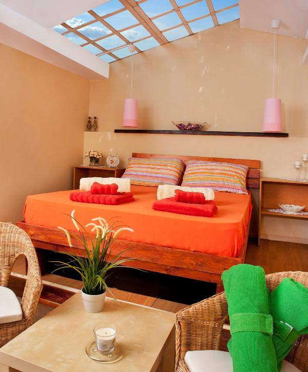 nice romantic skylight bedroom - nice Inn in Zichron Yacov - Ramat Hasharon - rentals