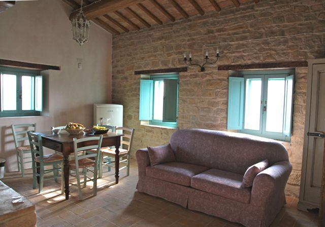 living room / kithen - Bio Fattoria Fontegeloni, LA VOLPE E L'UVA, 52 mq - Serra San Quirico - rentals