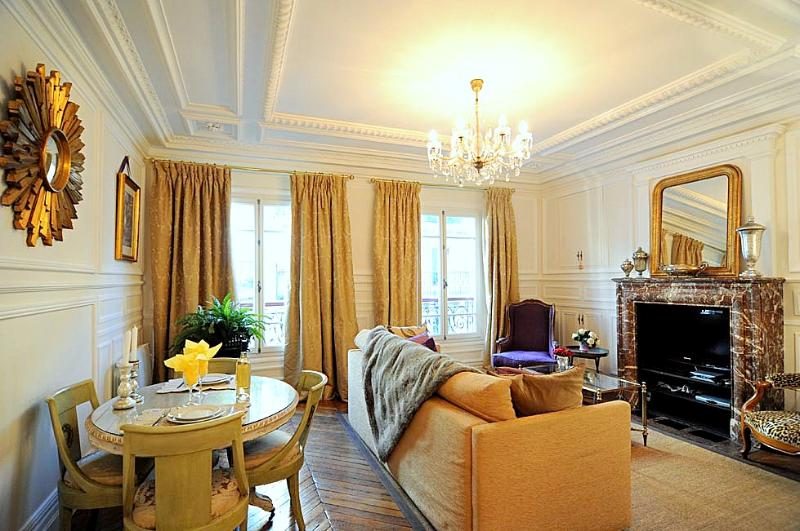 Luxury Vacation Rental in Historic 1st District of Paris - Image 1 - Paris - rentals