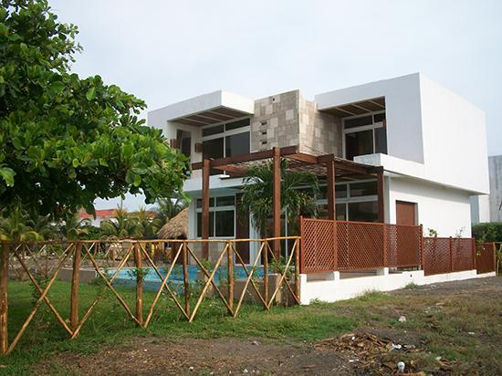 Beachfront chalet, Perfect for small groups - Image 1 - Escuintla - rentals