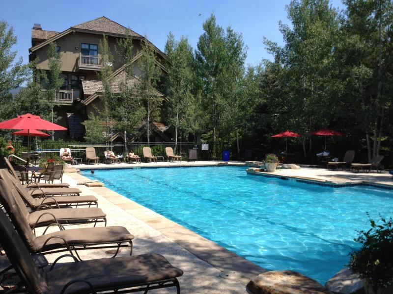 Year Round Heated Pool Complex with Hot Tub - 8BR Home, Shuttle, Pool, HotTub, PoolTable, Pet OK - Beaver Creek - rentals
