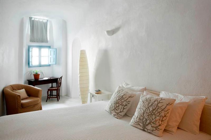 Santorini Villa for Rent - Pirate Haven - Image 1 - Megalochori - rentals