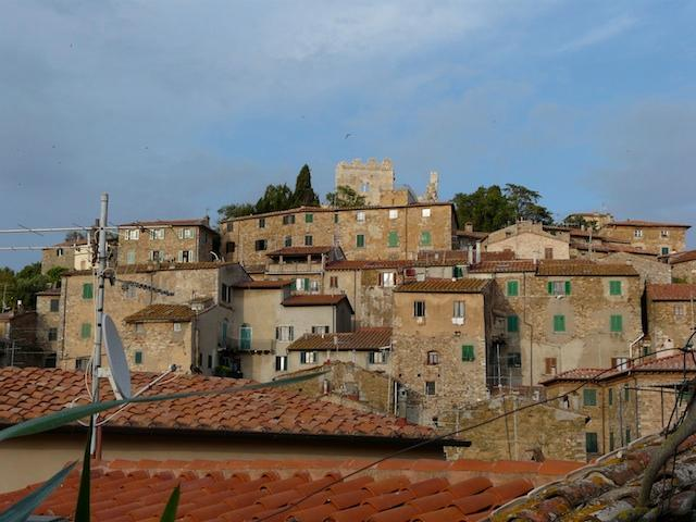 The town see from the terrace - Charming House in Medieval Tuscany - Campiglia Marittima - rentals