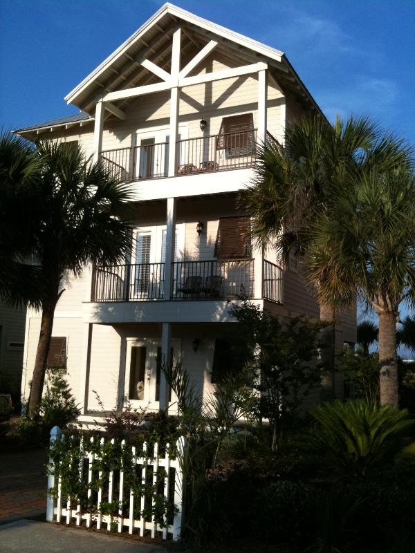 Welcome to Miramar Beach !!! - BEACH HOME, Sleep 18, Pets OK, Pool, Resort Access - Miramar Beach - rentals