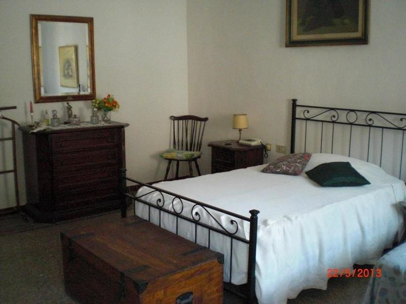 charming florence townhouse - Image 1 - Florence - rentals