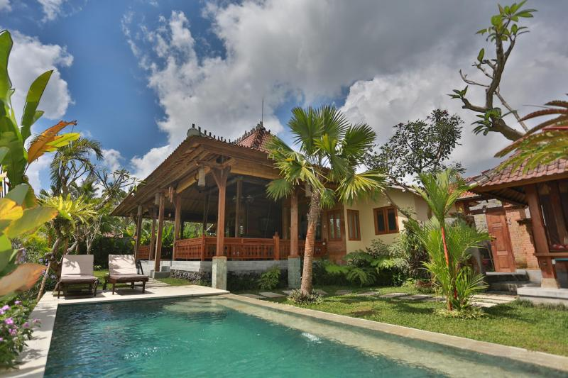 BALI UBUD VILLA, 2-BED, 2-BATH PRIVATE RETREAT WITH POOL, OVERLOOKING RICE FIELDS - BALI UBUD VILLA is a privately owned villa in Ubud - Ubud - rentals