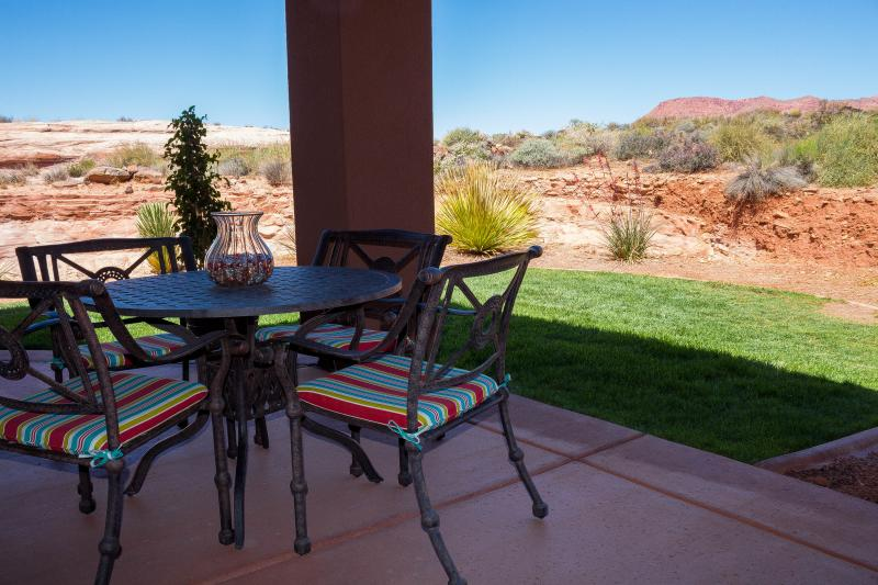 Beautiful View of Red Mountain From Patio - Gated Red Mountain View Entrada - Saint George - rentals