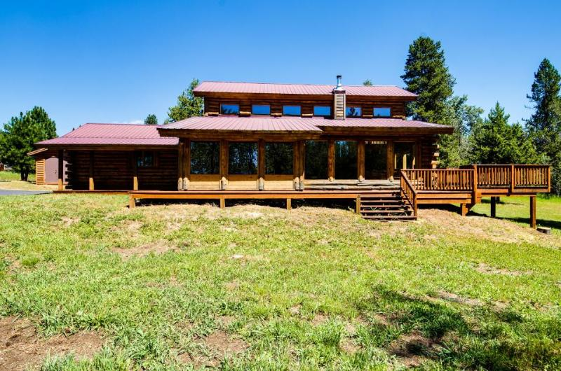 Quiet, tree-lined property with a gorgeous deck and an expansive yard! - Image 1 - McCall - rentals