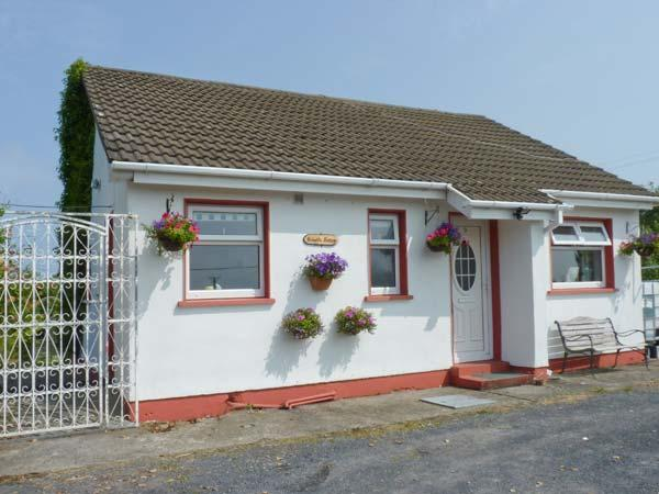 BRAMBLE COTTAGE, pet-friendly, woodburner, all ground floor, nearby fishing, near Foxford, Ref. 26053 - Image 1 - Mayobridge - rentals