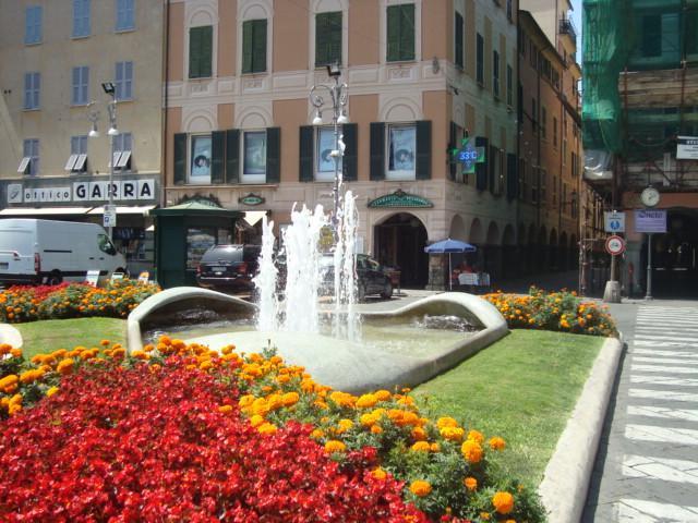 esterno centro città - ampio appartamento in centro con garage - Chiavari - rentals