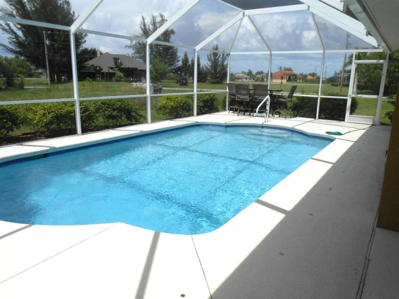 Cape Coral Tropical Pool Home - Image 1 - Cape Coral - rentals