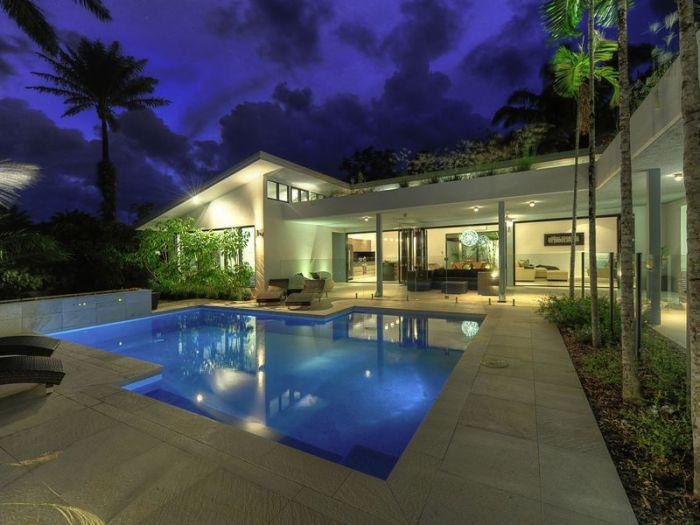 Santorini evening - 41 BEACHFRONT MIRAGE  secluded luxury holiday home - Port Douglas - rentals