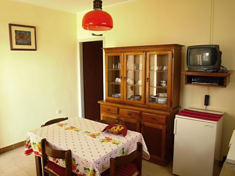 Kitchen and Dining Room - Apartment for 2 @Villa Rosa Rovinj Croatia - Rovinj - rentals