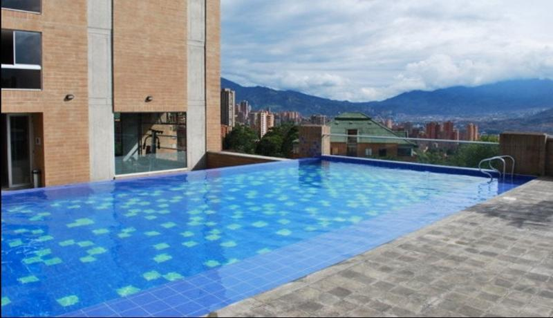 heated infinity pool - Modern Apartment in Asensi Tower | Medellin Colombia - Medellin - rentals