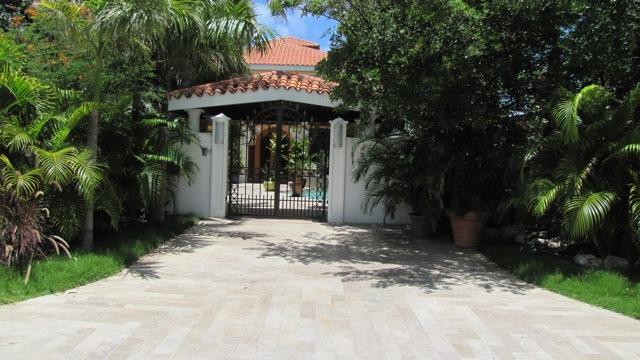 Villa Vittoria - Beautiful Villa located on Simpson Bay Beach - Simpson Bay - rentals