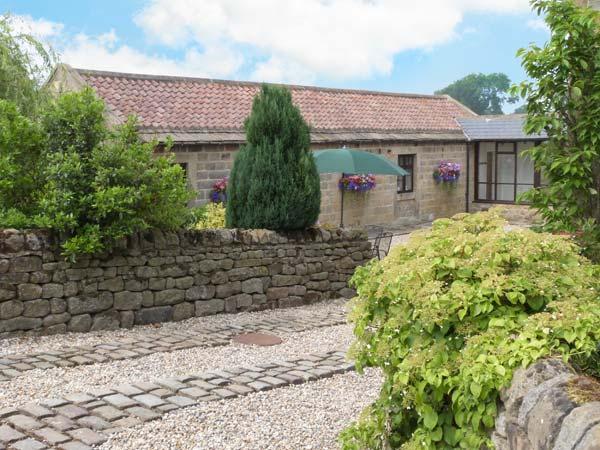 WELL BARN COTTAGE, all ground floor, romantic retreat, WiFi, Grade II listed, near Ripley, Ref. 26704 - Image 1 - Ripon - rentals