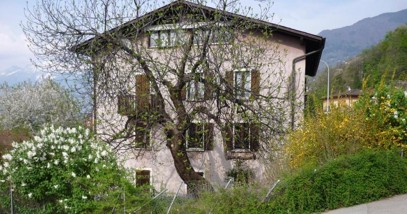 South Facade - Bellinzona district. Apt in a house with character - Camorino - rentals