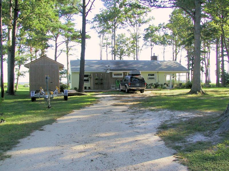 Front of Cottage - I Love To Fish Cottage For Rent On Chesapeake Bay - Ophelia - rentals