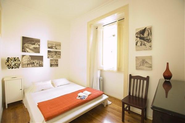 Private double room in Alfama - Image 1 - Abrantes - rentals