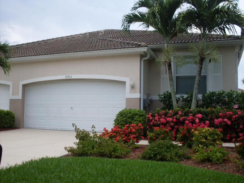 Colony Lakes Vacation Villa - Image 1 - Fort Myers - rentals